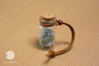 翡翠の小瓶